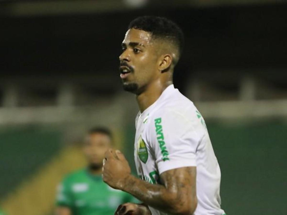 Hayner, do Cuiabá, volta à pauta no Vasco e Campello tenta agilizar  negociação; lateral-direito é um dos destaques da Série B   Bolavip Brasil