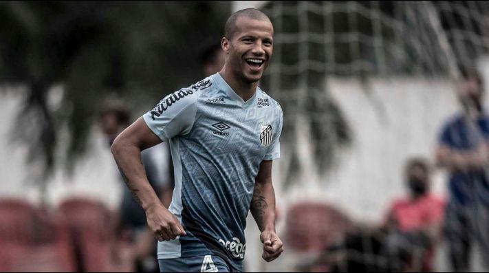Após especulações, Sánchez comunica Palmeiras sobre possibilidade de acordo; vínculo com o Santos vai somente até junho