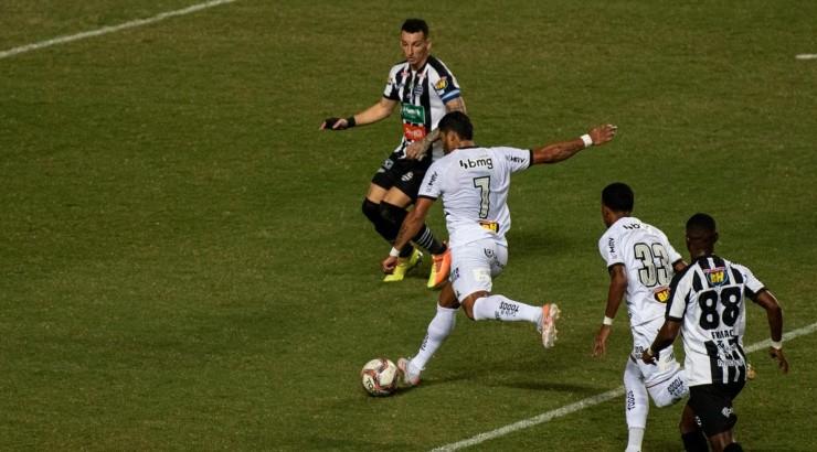 Hulk esteve em campo diante do Athletic - Foto: Alessandra Torres/AGIF.