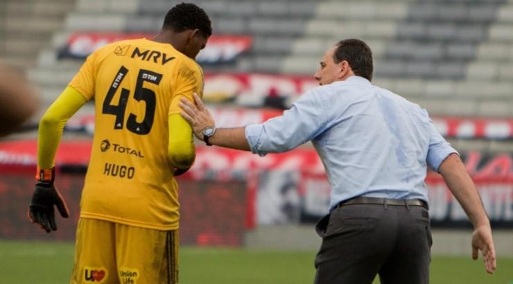 Ceni não deve escolher Hugo para substituir Diego Alves -  Foto: Robson Mafra/AGIF.