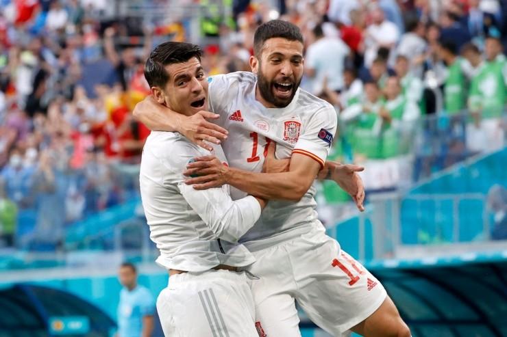 Jordi Alba y Morata celebrando su gol en la Eurocopa.  (Foto: Getty Images)