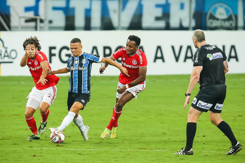 Gre-Nal em campo pelo Campeonato Gaúcho. (Foto: Getty Images)