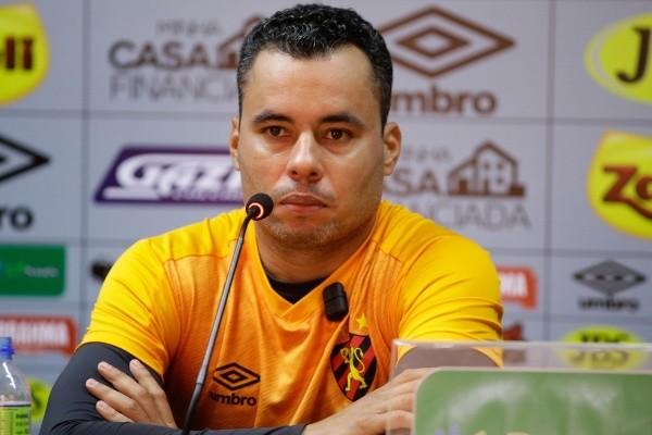 Jair Ventura: um dos cotados para o cargo (Foto: Anderson Stevens/Sport Recife)