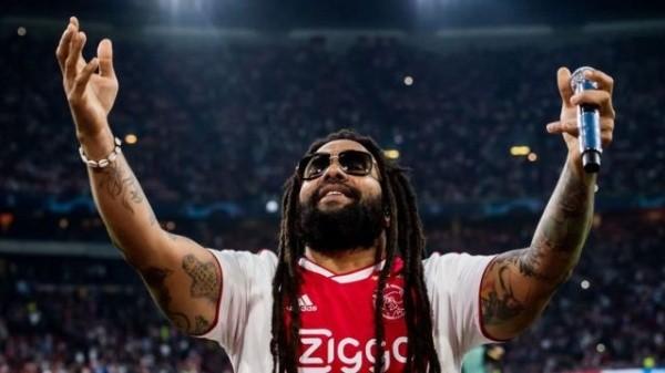 O músico, Ky-Mani Marle, filho de Bob em jogo do Ajax. (Foto: Getty Images)