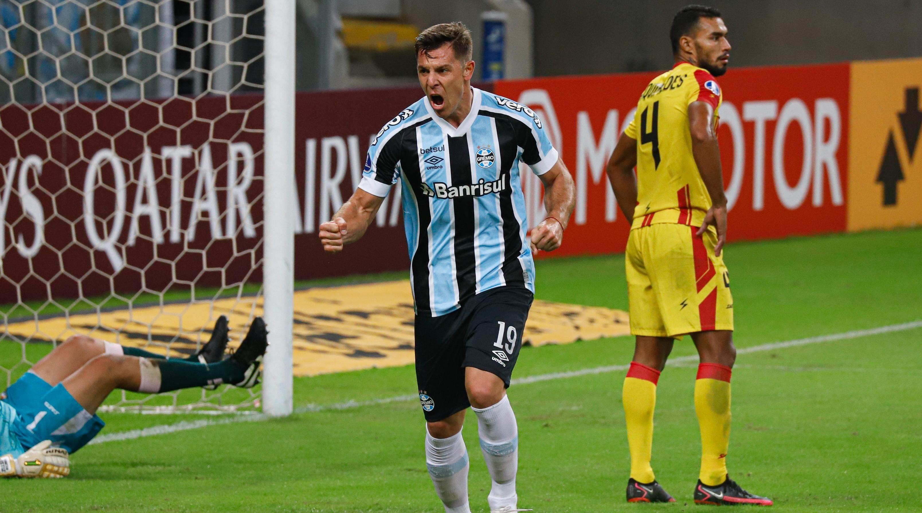 Grêmio goleou em sua última partida pela competição - Foto: Maxi Franzoi/AGIF.