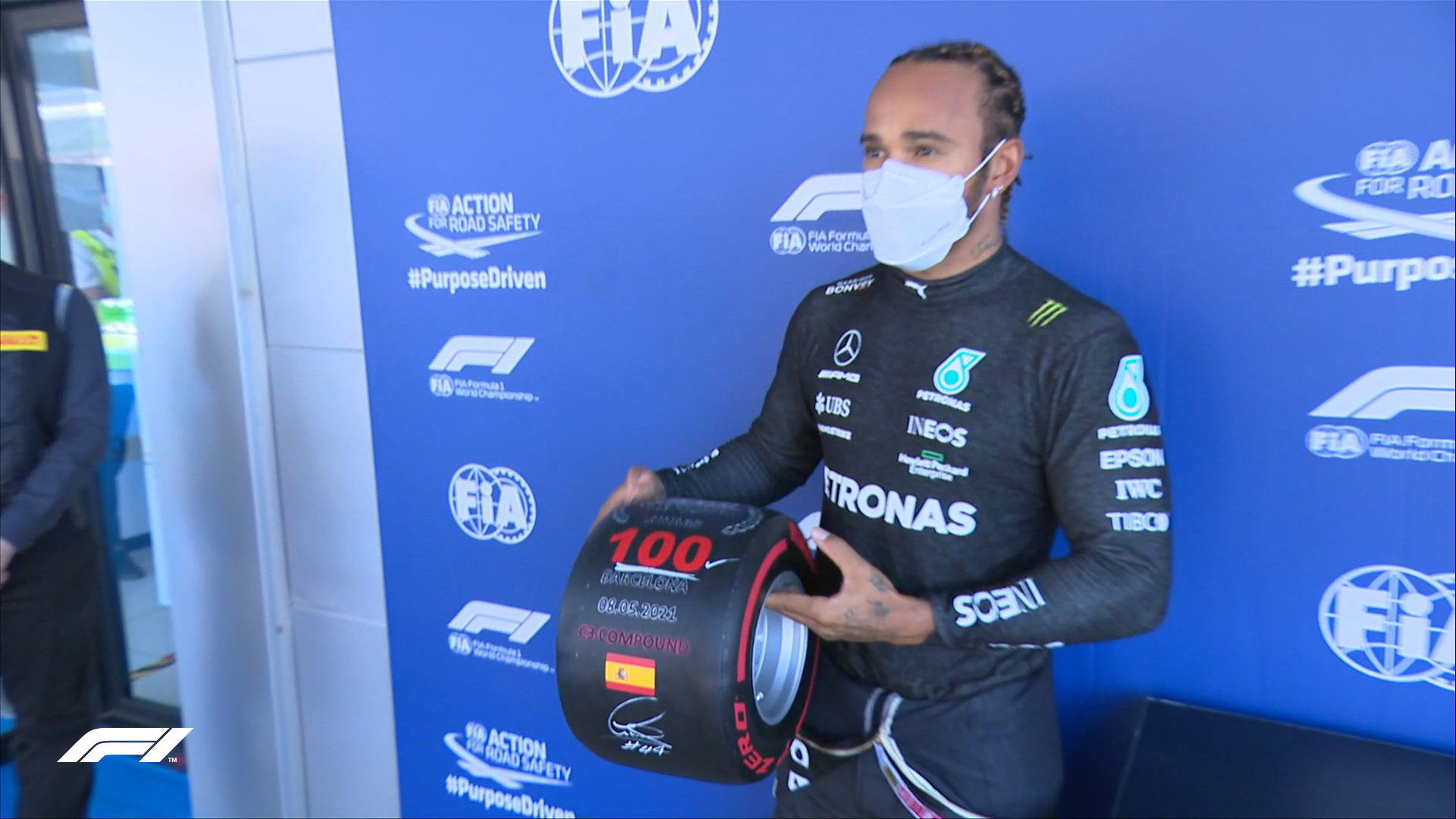 LewisHamilton conquista 100ª pole position na Fórmula 1. (Foto: Twitter Reprodução F1)