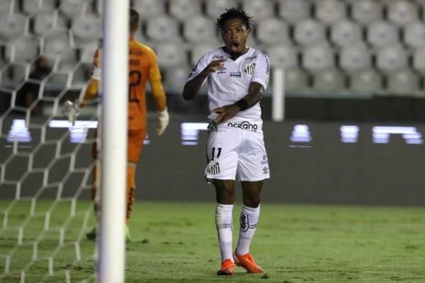 Marinho comemora gol do Santos. Foto: Getty Images