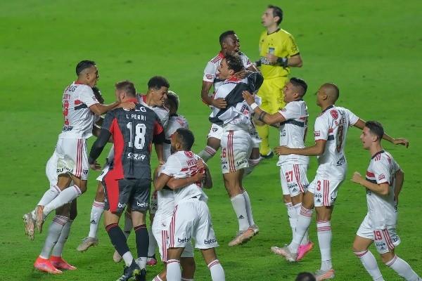 São Paulo campeão Paulista de 2021. (Foto: Marcello Zambrana/AGIF)