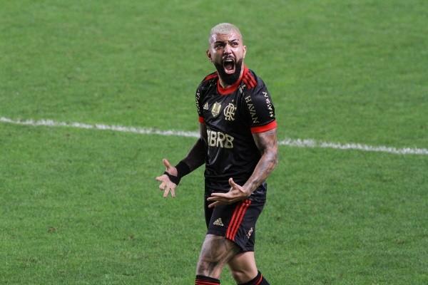 Gabi marcou três gols na goleada do Fla em cima do Santos. Foto: Reprodução/Fernanda Luz/AGIF